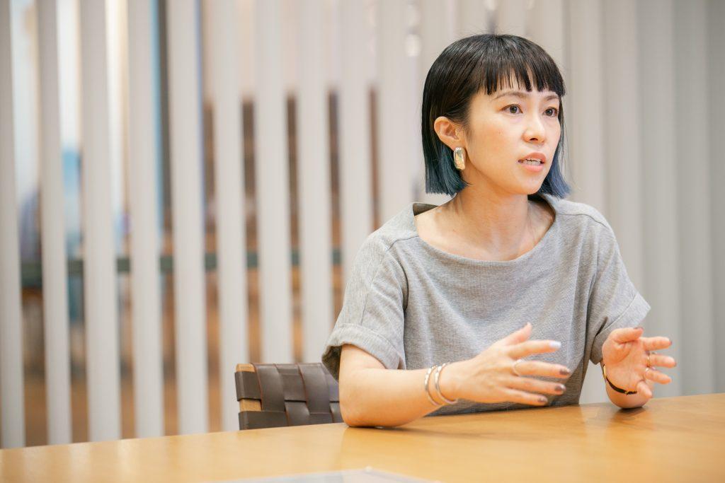 アマナデザイン福永さんのインタビューシーン