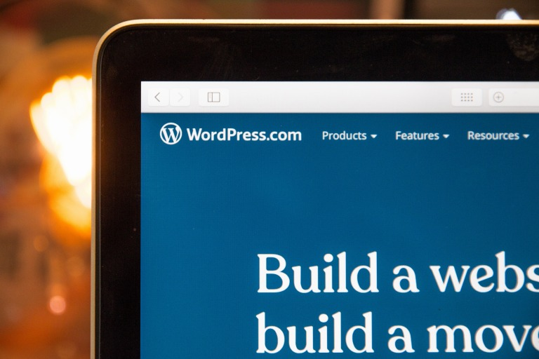 人気CMS、WordPressでWebデザインするメリットやポイント