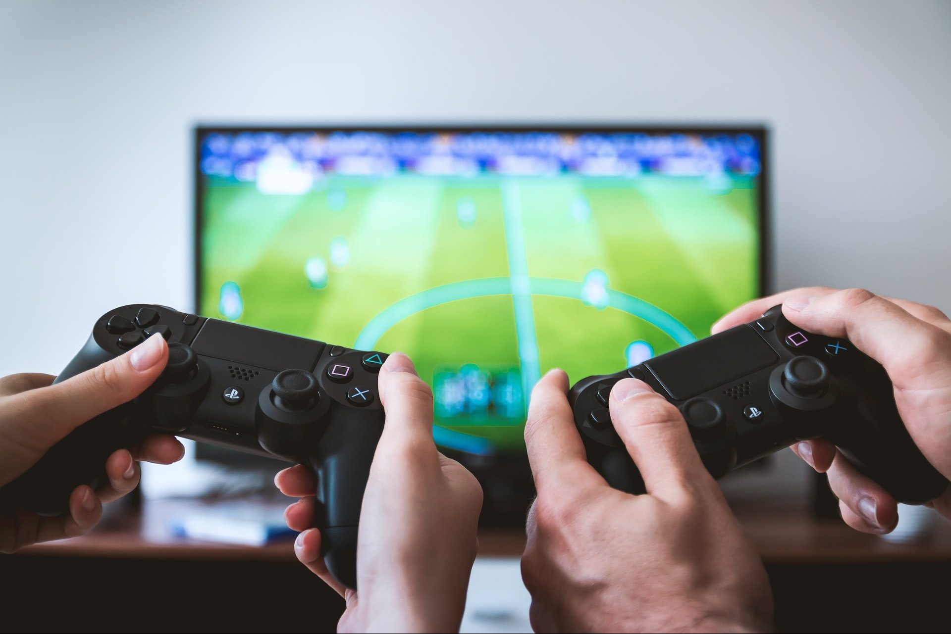 近年話題のeスポーツとは?携われる業種やゲームの種類についても解説